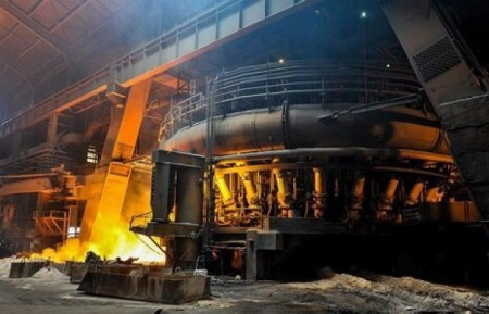 ضرر و زیان ذوب آهن از کم آبی و قطعی برق.