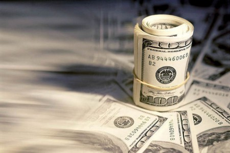 بررسی تاثیر حواشی سیاسی و اقتصادی بر قیمت دلار