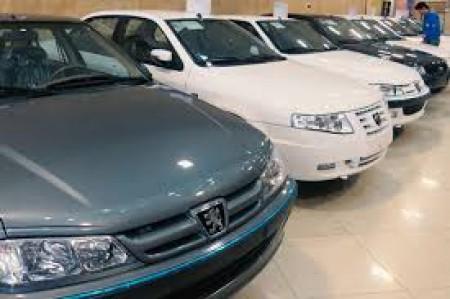 قیمت خودرو در بازار کمی عقبنشینی کرد.