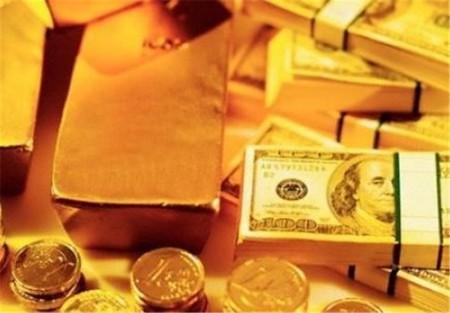 دلایل اصلی کاهش قیمت طلا و سکه/ دستگیری دلالهای فردایی در بازار طلا؛ کرونا بازار را خلوت کرد.