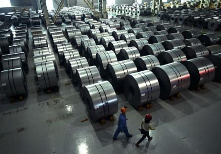 نامه فروشندگان آهن به نهاوندیان/ در شیوهنامه ساماندهی عرضه فولاد حرفی از توزیعکنندگان نیست.
