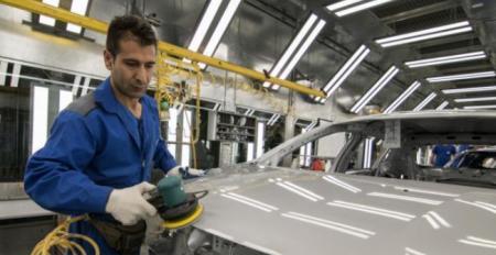 انتقاد خودروسازان به خرید فولاد از بورس کالا