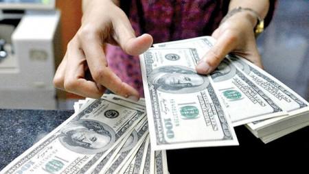 دلار در کمای انتقال دولت.