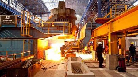 هیجان بازار فولاد با سیگنال بیبرقی.