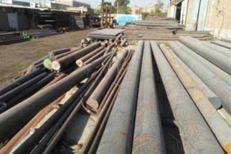 سایه سنگین رکود بر بازار فولاد.