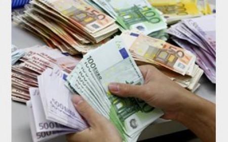 بانکها دلار را 10820 تومان می خرند/نرخ ارز مسافرتی