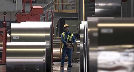 سقوط فلزیها از میانهتنش قیمتی.