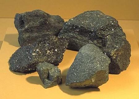 میزان ذخایر سنگ آهن کشور چقدر است؟
