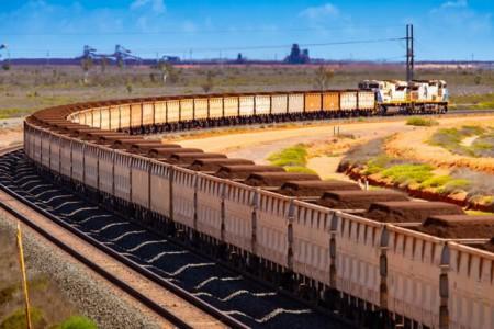 قیمت سنگ آهن چین با ۱۰ درصد جهش ، رکورد تاریخی زد.